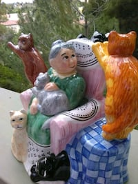 two white and brown ceramic figurines Antioch, 94509
