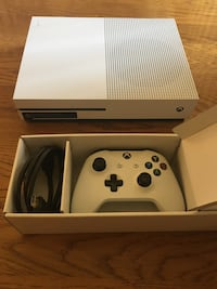 Xbox 1s 500gb (only used once) Clemmons, 27012