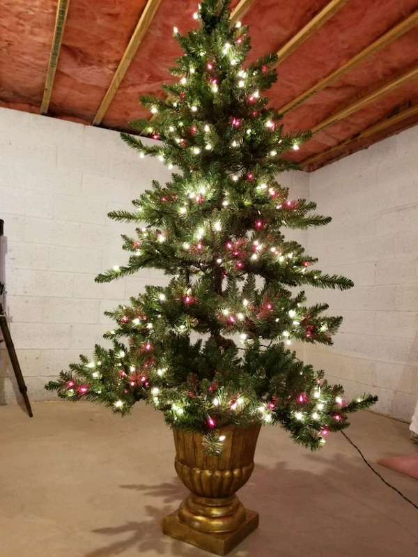 Used Pre Lit 6 Foot Christmas Tree In Gold Planter For Sale In