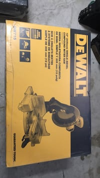 "12"" single bevel compound miter saw Brampton, L7A 1H1"