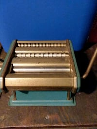 Antique pasta roller/ cutter