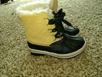 Nice Boots .Size 6/Half .New  Rochester, 98579
