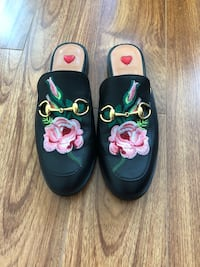 Gucci slippers 多伦多, M5S 2Y1