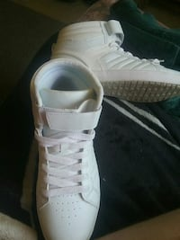 (Worn once)white and gray basketball shoe Clearlake, 95422