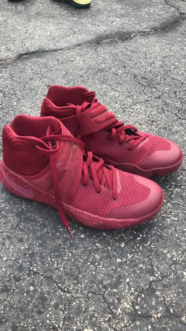 7e415a80ec97 Used pair of red Nike basketball shoes for sale in Arlington Heights - letgo