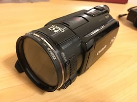 Canon hfs-10 1080 HD camcorder