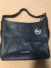 Micheal Kors Purse - NAVY Toronto, M9R 1W1
