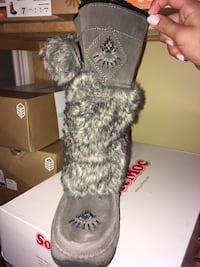 gray and white fur cat plush toy Vaughan, L4H 1P9