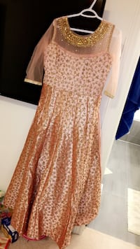 Stunning long peach gold Indian long gown dress anarkali medium but can open to fit large Brampton, L6V 3C1
