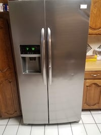 Stainless steel side-by-side refrigerator with dispenser DeSoto, 75115