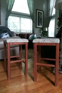 Pair of wooden stools Stafford, 22554