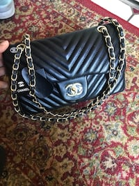 Chanel chevron lather bag Reston, 20190