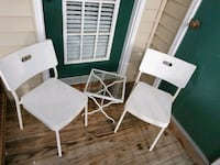 2 chairs and table set Woodbridge, 22191