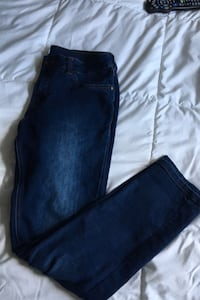 Straight Leg Jeans Windsor, N9B 1E1