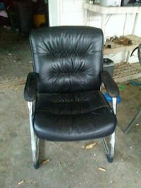 black leather padded rolling armchair Murfreesboro, 37130