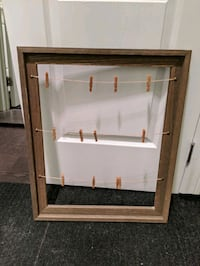 Rustic frame with clips