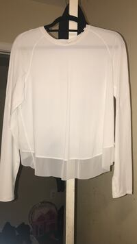 White LULULEMON thin long sleeve  Washington, 20032