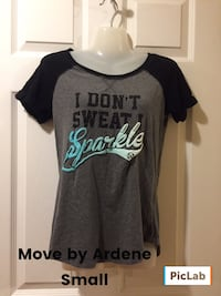 Small gray and black scoop-neck t-shirt