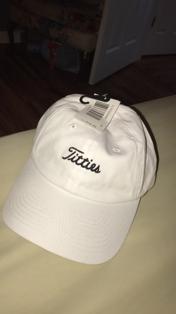 Used White and black adidas cap for sale in Villa Rica - letgo aafbcc7a32f