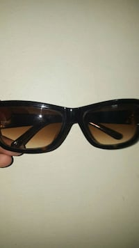 Marc jacobs female sunglasses  Toronto, M6N