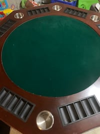POKER TABLE WITH ACCESSORIES Brampton, L6R 1V2