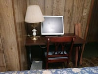 brown desk with chair East Stroudsburg, 18301