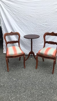 2 chairs and table Kensington, 20895