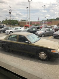 Ford - Crown Victoria - 2002 Temple Hills