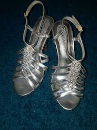 pair of silver open-toe heeled sandals Maplewood, 55109