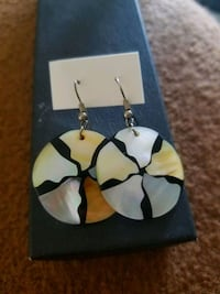 Brandnew seashell earings.