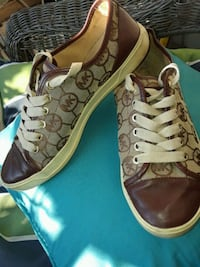 AUTHENTIC MICHAEL KORS SNEAKERS SIZE 7 1/2 ONLY $19 Jacksonville, 32224