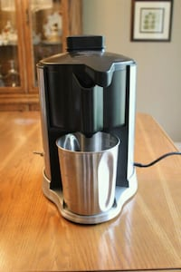 Waring Pro Juice Extractor  Oakville, L6H 4A6