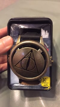 HARRY POTTER LICENSED WRISTWATCH IN collectible tin.NEW! Myrtle Beach, 29588