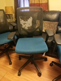 4 desk chairs Lawrence, 01843