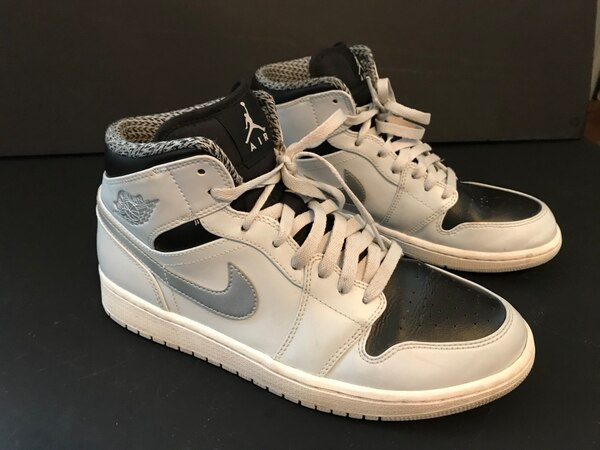 c92c94852f0465 Used NIKE AIR JORDAN S 1 MID BASKETBALL SHOES. MENS SIZE 10. OO for sale in  Hanover - letgo