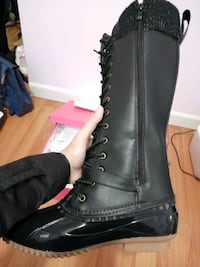 NEW BRAND DUCK BOOT - 7,5