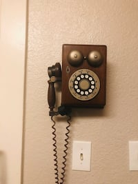 Western Electric Wooden Wall Phone Sacramento, 95817