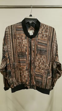 Man's SILK JACKET (size XL) Arlington, 22204