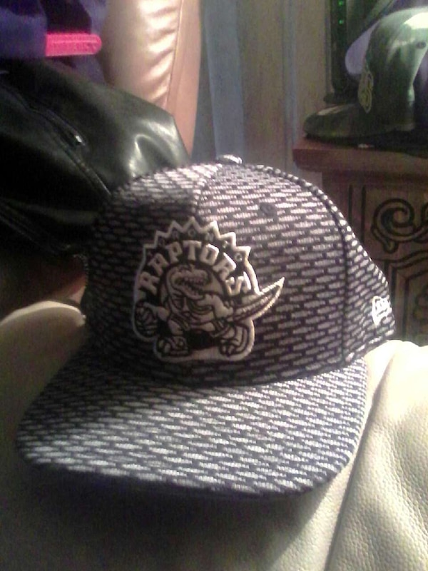 cb8e0f3e5cdce7 Used grey and black toronto raptors fitted cap for sale in Victoria - letgo