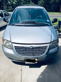 Chrysler - Town and Country - 2004 Mount Holly, 08060