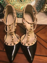 pair of beige-and-black leather pointed-toe heels West Palm Beach, 33411
