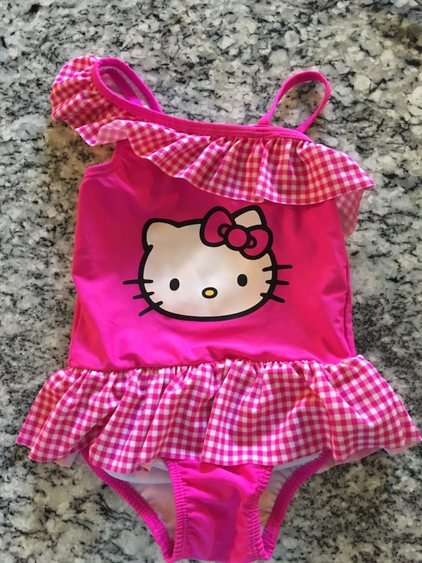 EUC Hello Kitty 3T.  Clean.  Price firm  1779bca4-3ea0-41e0-aca0-047b49d98d53