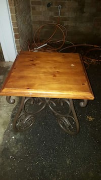 Used 2 End Tables For Sale In Walkersville Letgo