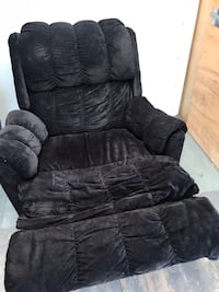 recliner sofa used Mississauga, L5B