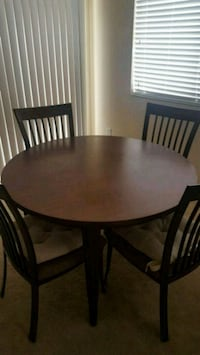 Round metal table with 4 chairs Henderson, 89074