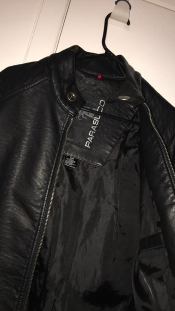 Parasuco Genuine leather medium black heavy jacket for men . Bought for over a thousand yet my fiancé didn't like the colour cause he has so many black & similar styles  . Must go ASAP . Heavy & super warm.! Only wore it once .Medium size