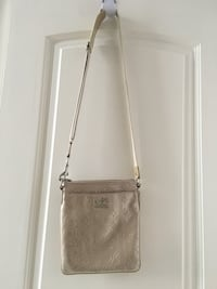 Coach crossbody purse. Beige and slightly shiny material. Vaughan, L4K 5W4