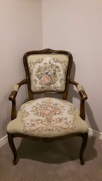 Embroidered chair Hamilton, L9H 6Z6