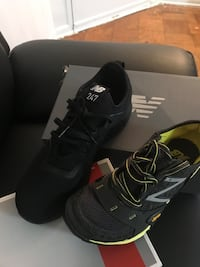 shoes size 7y and 8y New balance two pairs $120  $120. Oh 60 un par Springfield, 22150