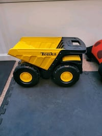 Tonka truck- large metal (yellow and black)